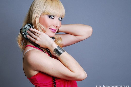 За пульт Miss dj встала по классической схеме.  Илнара несколько лет назад победила в конкурсе.
